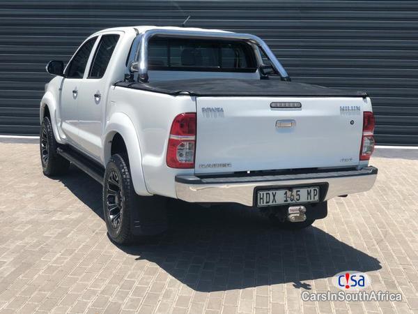 Toyota Hilux Manual 2013 in Western Cape