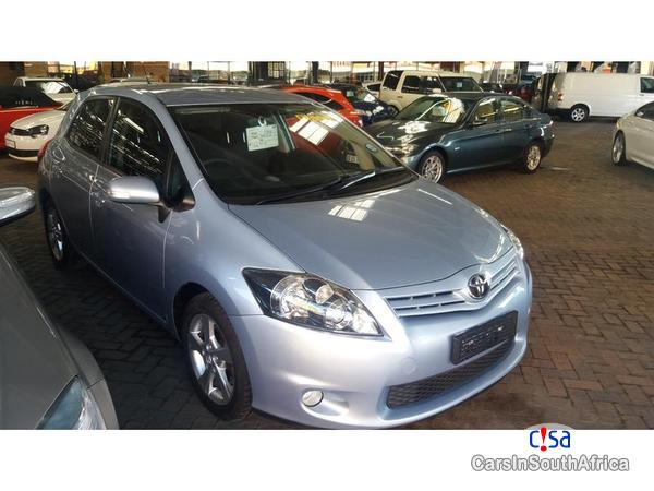 Pictures of Toyota Auris Manual 2010