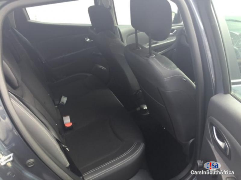 Picture of Renault Clio Manual 2013 in South Africa