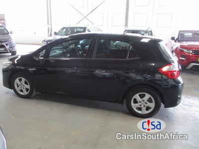 Toyota Auris 1.8 Manual 2014 in Western Cape - image