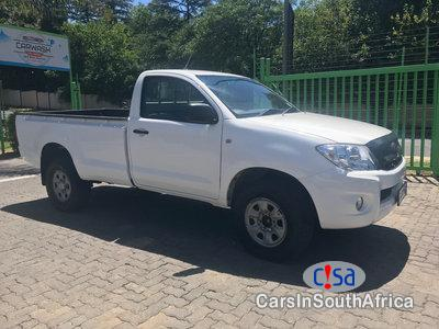 Pictures of Toyota Hilux 2.5 Manual 2012