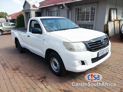 Pictures of Toyota Hilux 2.0 Manual 2013