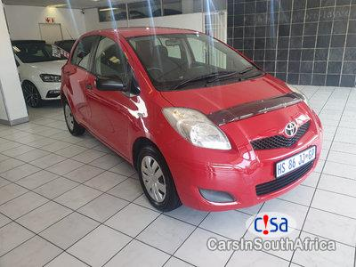 Pictures of Toyota Yaris 1.3 Manual 2013