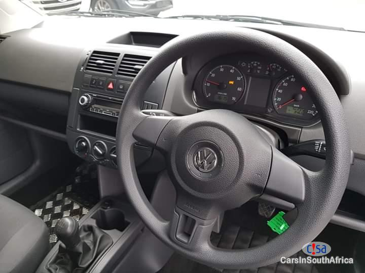 Volkswagen Polo 1400 Manual 2015 - image 11
