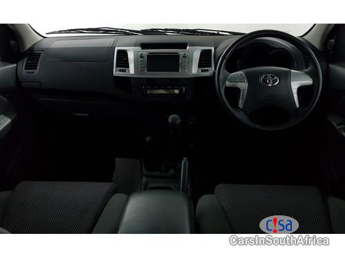 Toyota Hilux 2.0 Manual 2011 in South Africa