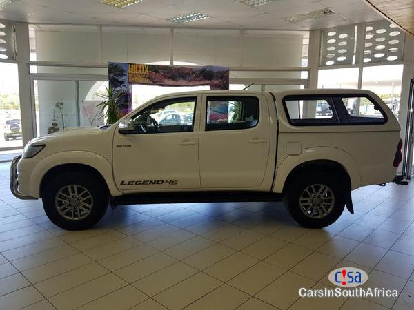 Toyota Hilux Manual 2015 in South Africa
