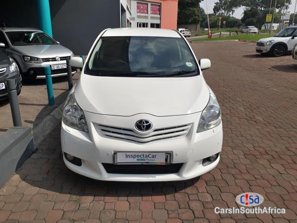 Toyota Verso Manual 2012 - image 2