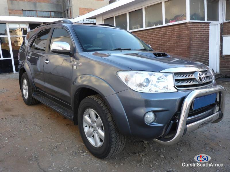 Picture of Toyota Fortuner Manual Manual 2011