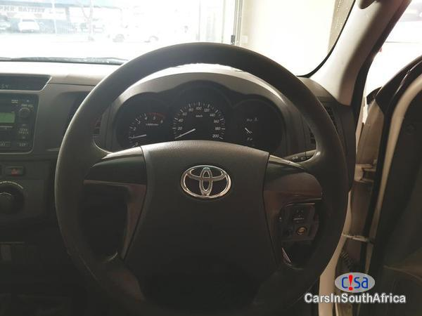 Toyota Hilux Manual 2013 in Western Cape - image