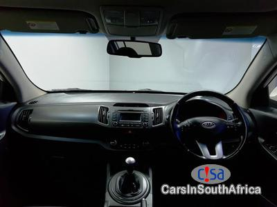 Kia Sportage 2 .0 Manual 2011 - image 8