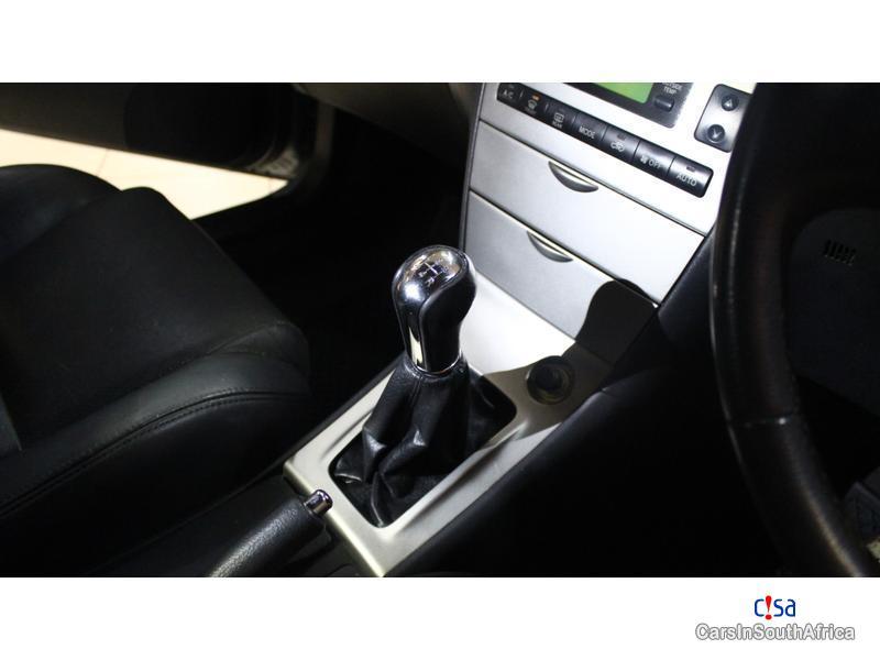 Toyota Runx LE Manual 2006 - image 10