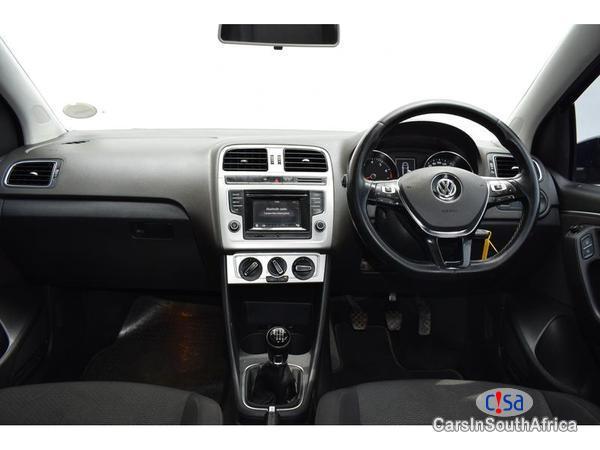 Volkswagen Polo 1.2tsi Manual 2016 - image 6