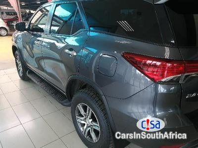 Toyota Fortuner 2.5 Manual 2010 - image 2