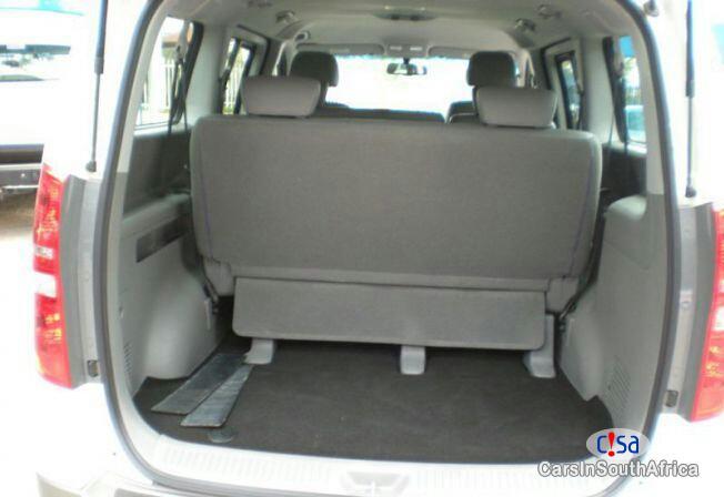 Hyundai H-1 2.5 Automatic 2015 - image 4
