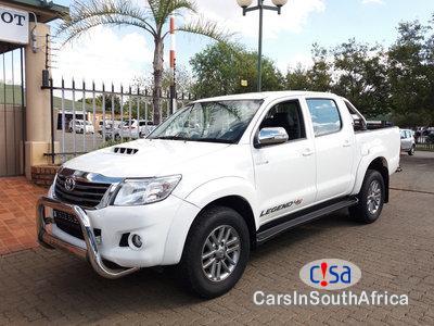 Pictures of Toyota Hilux 3.0D4-D LEGEND 45 R/B/A/T DOUBLE CAB BAKKIE Automatic 2015
