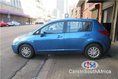 Pictures of Nissan Tiida 1.6 Manual 2009