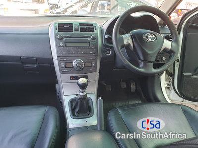 Toyota Corolla 1.8 Manual 2010 - image 4