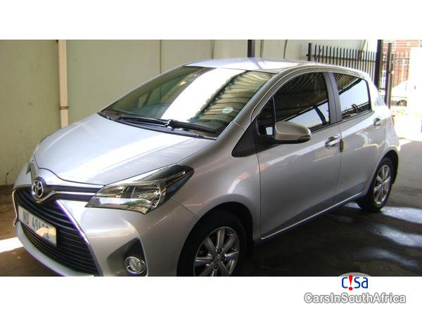 Picture of Toyota Yaris Manual 2015