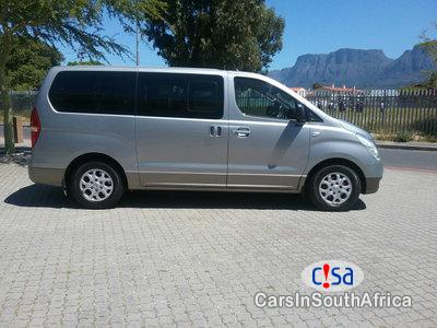 Picture of Hyundai H-1 2.5 Automatic 2011
