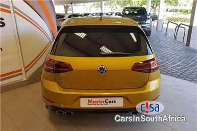 Picture of Volkswagen Golf 2.0 Automatic 2018 in South Africa