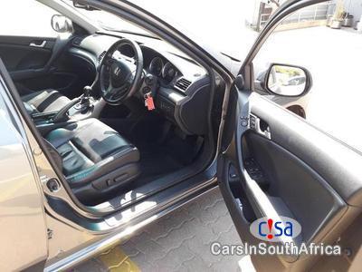 Honda Accord 2.4 Automatic 2009 - image 4
