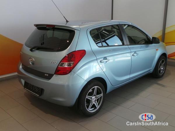 Hyundai i20 Manual 2011 - image 3