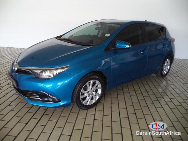 Pictures of Toyota Auris Manual 2016