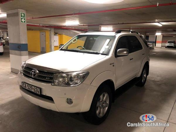 Toyota Fortuner Manual 2012 - image 2