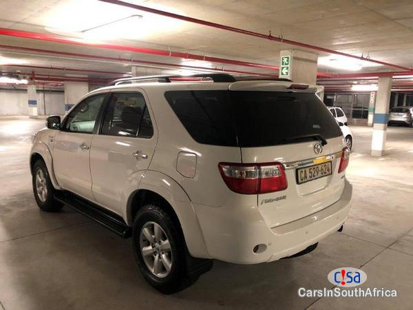 Toyota Fortuner Manual 2012 - image 4