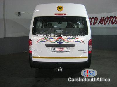 Nissan NV350 2.5 Nissan Nv350 16seates Manual 2017 in South Africa