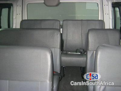 Nissan NV350 2.5 Nissan Nv350 16seates Manual 2017 in Limpopo - image