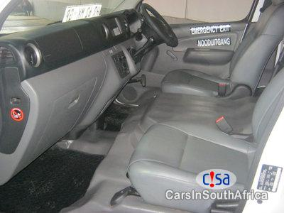 Nissan NV350 2.5 Nissan Nv350 16seates Manual 2017 in South Africa - image