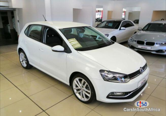 Volkswagen Polo Manual 2016 - image 2