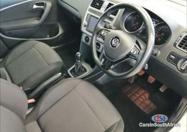 Volkswagen Polo Manual 2016 - image 4