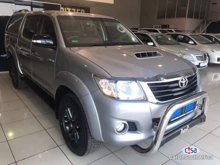 Pictures of Toyota Hilux 3.0 Manual 2015