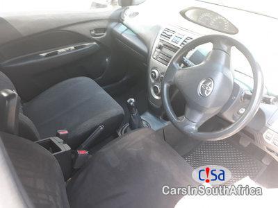 Toyota Yaris 1.3 Manual 2009 - image 3