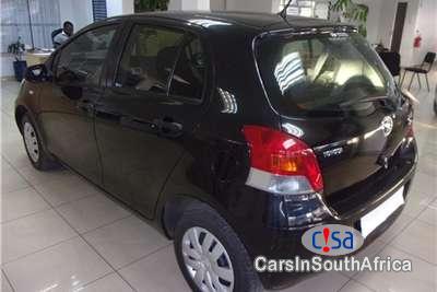 Toyota Yaris 1.3 Manual 2011 - image 2