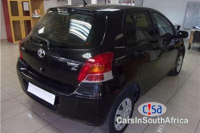 Toyota Yaris 1.3 Manual 2011 - image 5