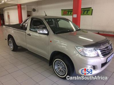 Pictures of Toyota Hilux 2.0 Manual 2015