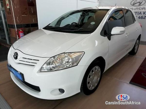 Pictures of Toyota Auris 1.3xs Manual 2013