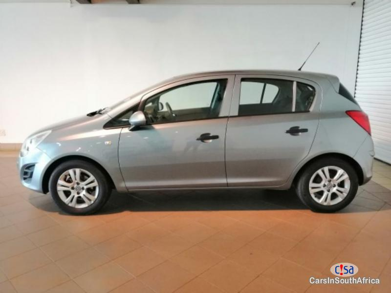 Picture of Opel Astra Manual 2014