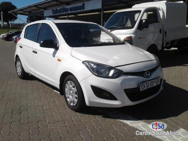 Pictures of Hyundai i20 Manual 2013