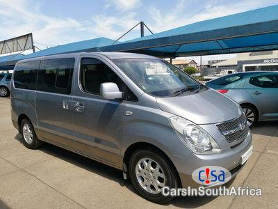 Pictures of Hyundai H-1 2.5 Automatic 2012