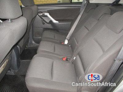 Toyota Innova 2 7 Automatic 2011 in South Africa