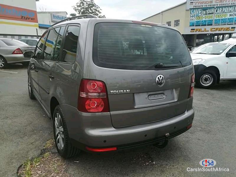 Volkswagen Touran 1.6 Manual 2009 in Gauteng