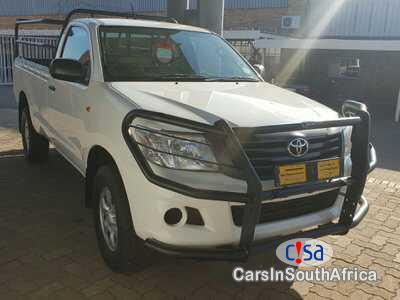 Pictures of Toyota Hilux 2.5 D-4d Manual 2012