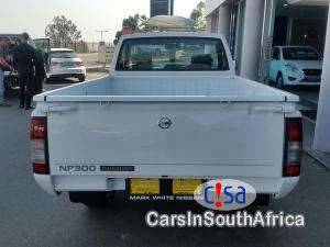 Nissan NP300 2.0 Manual 2017 in Limpopo
