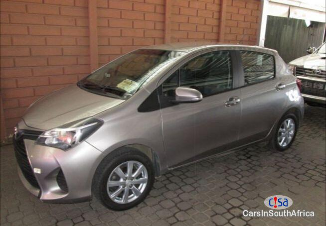 Toyota Yaris Manual 2017 - image 1