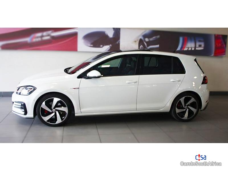 Pictures of Volkswagen Golf 2.0 Automatic 2017