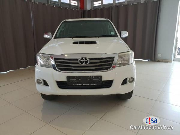 Toyota Hilux Automatic 2014
